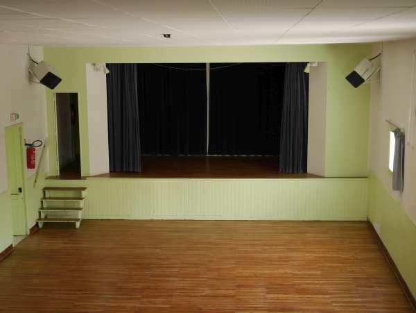 Salle des fêtes – Saint Saturnin du Bois