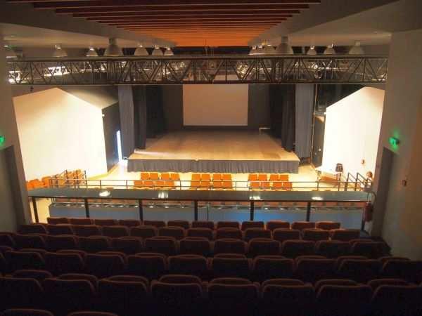 Salle théâtrale et culturelle – Breuil-Magné