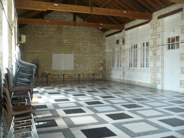 Salle des fêtes (Ancienne salle) – Chaniers