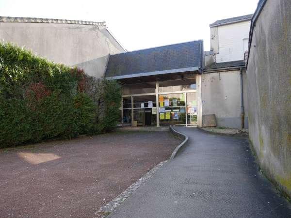 Salle des fêtes – Neuville-de-Poitou