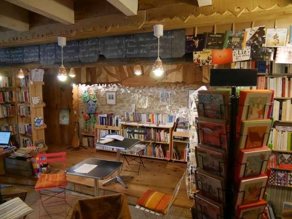 L'improbable Librairie – Saint-Genest-d'Ambière